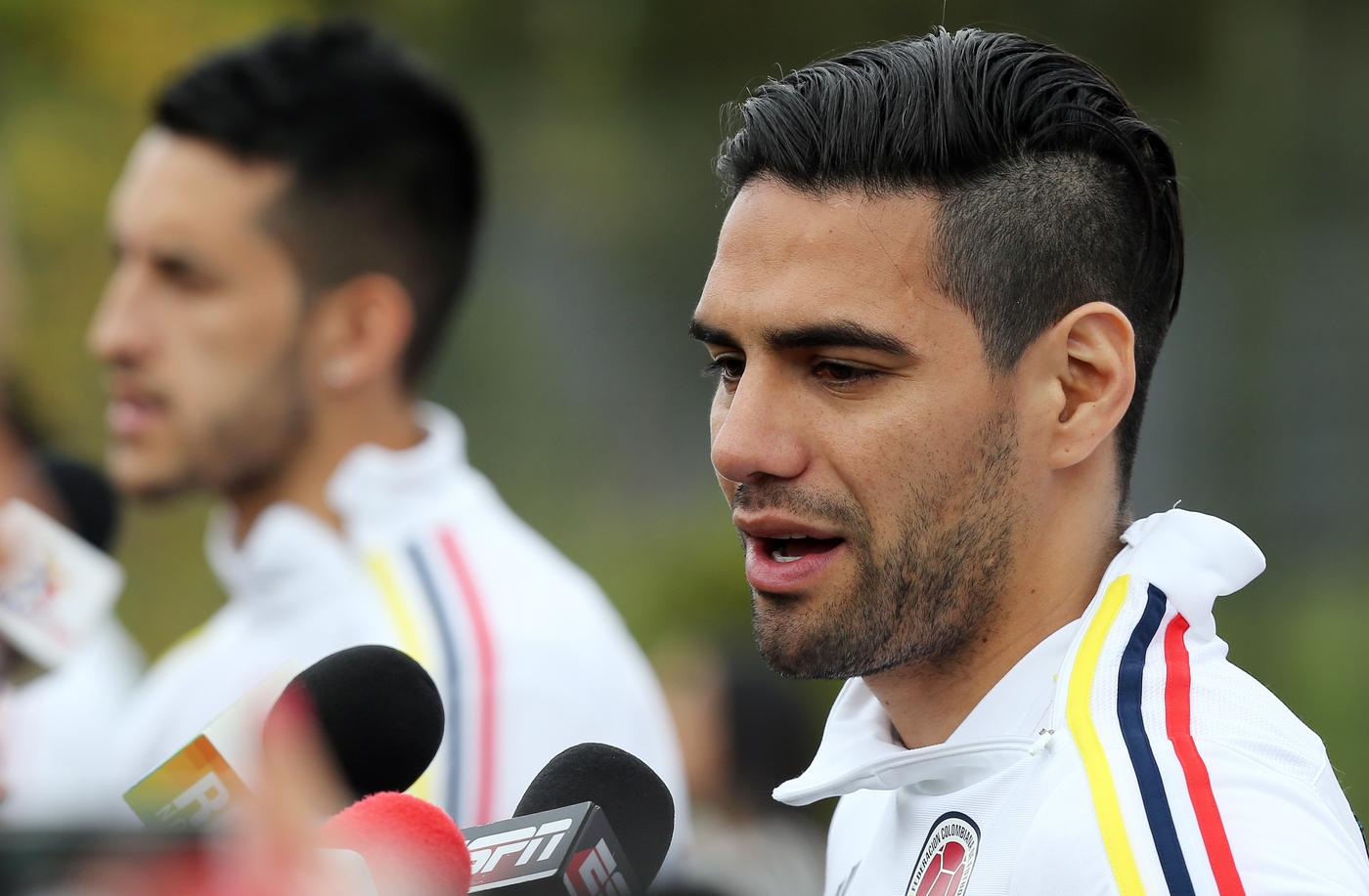 Radamel Falcao transfer would be a huge gamble for Chelsea, but one worth taking