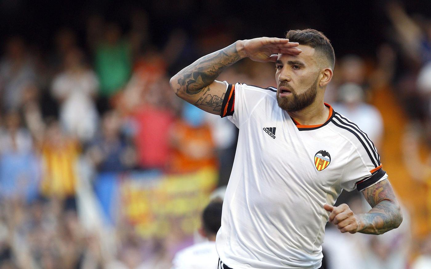 Manchester United 'told to pay £35.9m to land Valencia centre-back Nicolas Otamendi'