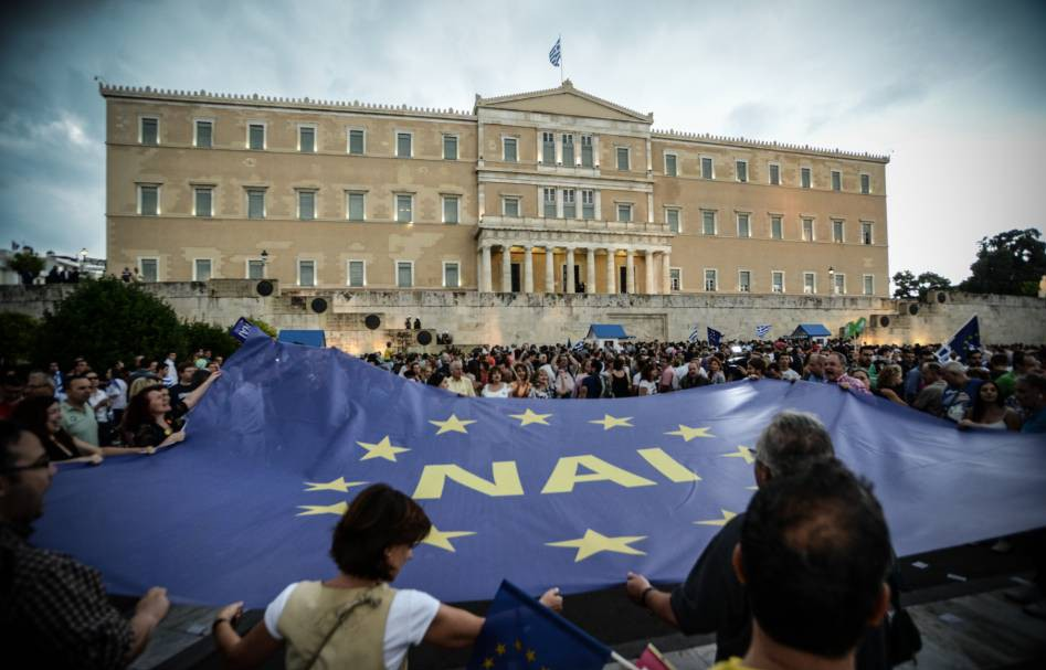 Mandatory Credit: Photo by NurP/REX Shutterstock (4890915c)  Demonstration in favor of a 'YES' vote on the upcoming referendum, at Syntagma square in Athens  Greek deby crisis, Greece - 30 Jun 2015