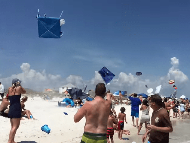 A jet pilot just trolled everyone on this beach