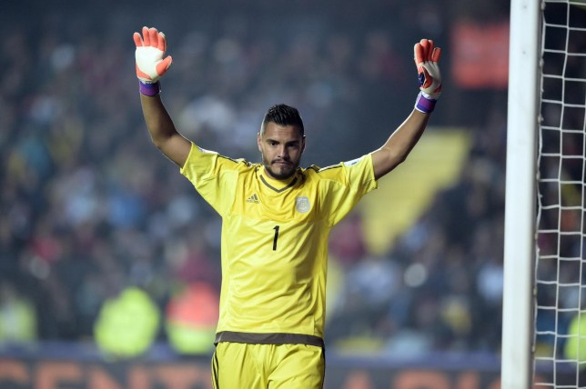c68e20a6f Manchester United transfer news  Sergio Romero  to sign for Reds on ...