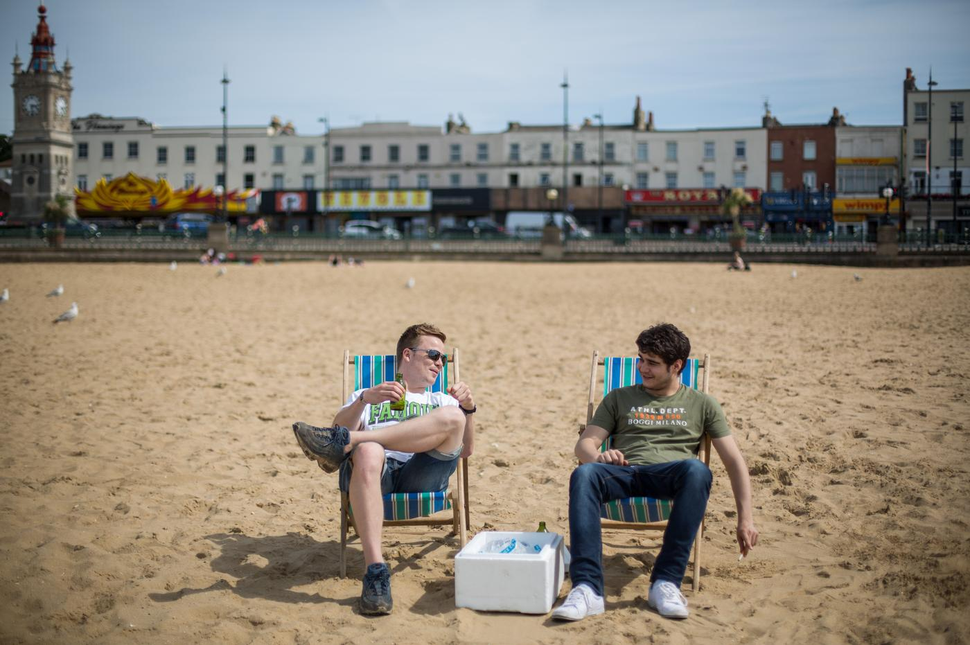 31 things that happen on every British beach