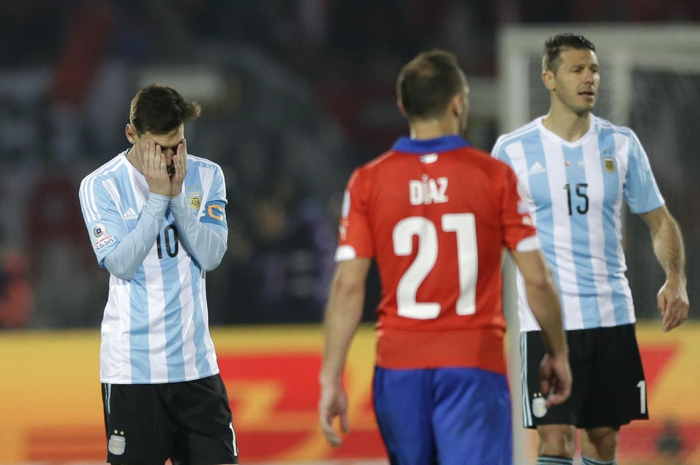 Lionel Messi's family attacked in stands of during Chile v Argentina in the Copa America final