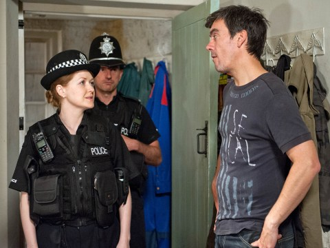 Emmerdale spoilers: Ross Barton body discovery leaves Pete in a panic
