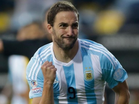 Chelsea 'giving everything to seal £63.9m Gonzalo Higuain transfer'