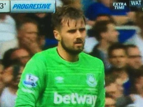Arsenal loanee Carl Jenkinson goes in goal for West Ham, now has more clean sheets than Petr Cech