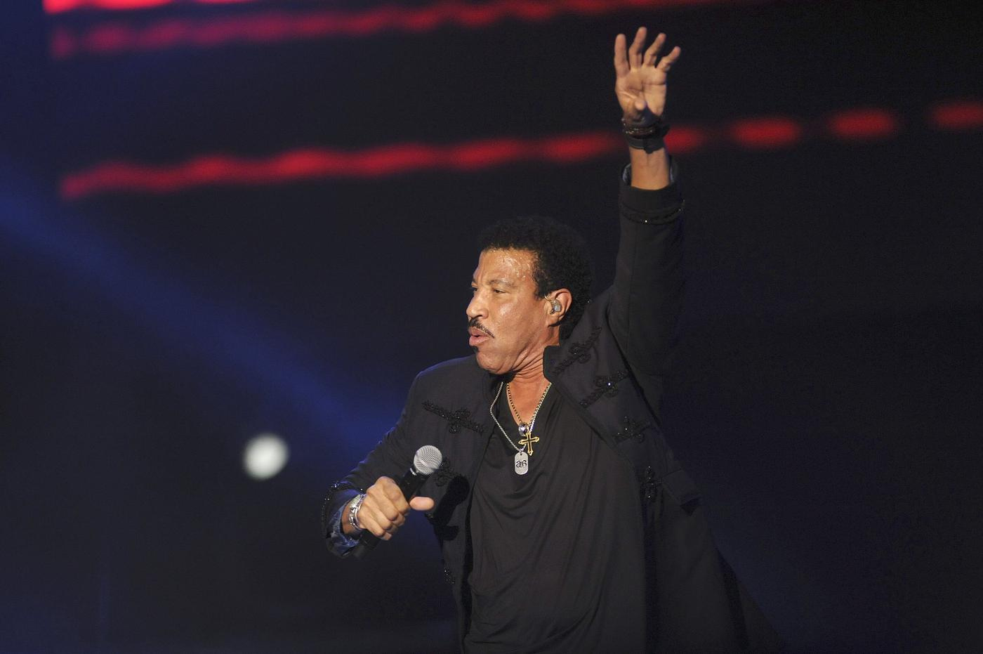 Lionel Richie eyes Glastonbury comeback – but with Diana Ross