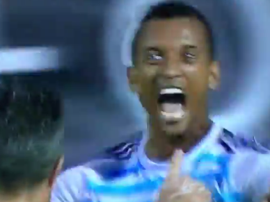 Ex-Manchester United stars Robin van Persie and Luis Nani combine brilliantly for Fenerbahce goal