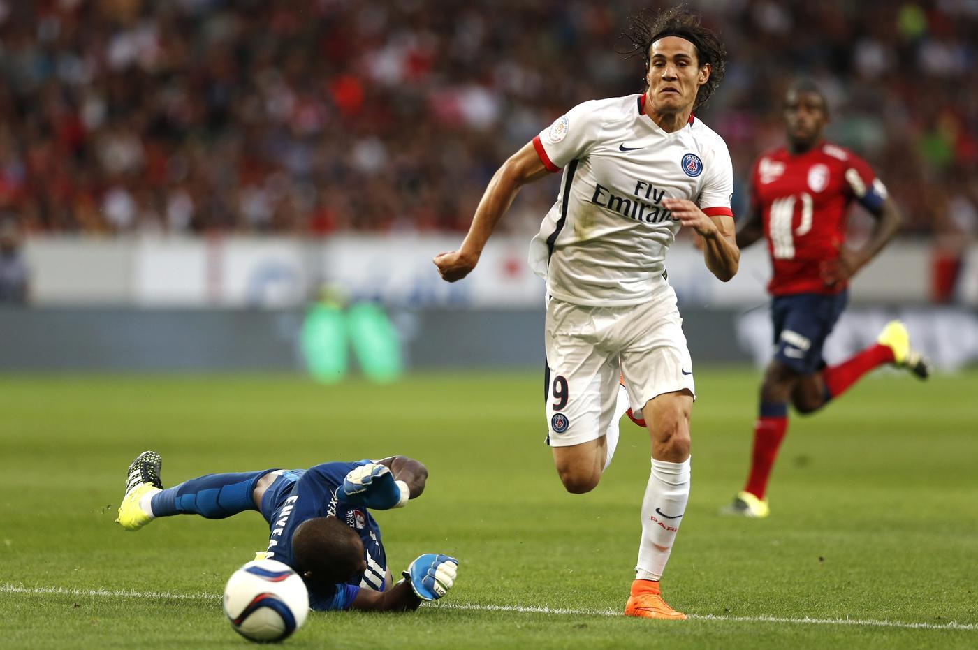 Arsenal target Edinson Cavani confident of transfer away from PSG, say reports