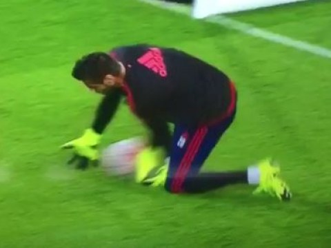 Sergio Romero makes howler in warm-up before Aston Villa v Manchester United