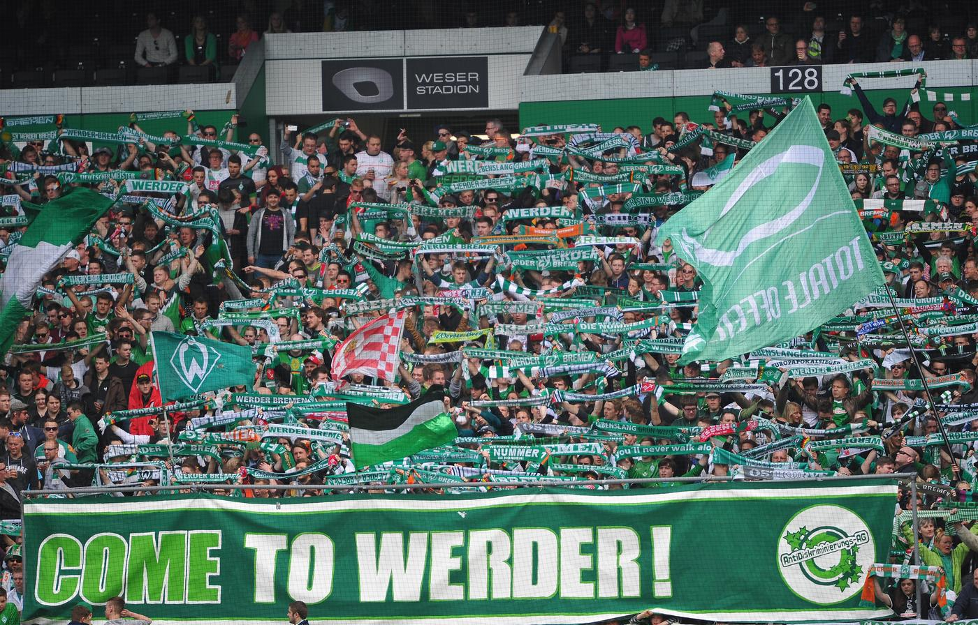 Watch brilliant Werder Bremen away fans sing 'Wonderwall' away at West Ham