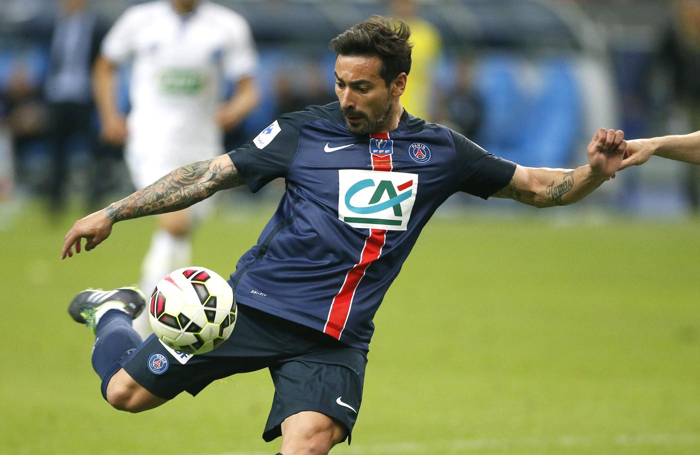 Arsenal handed boost in pursuit of Ezequiel Lavezzi as Paris Saint Germain winger wants transfer move – report