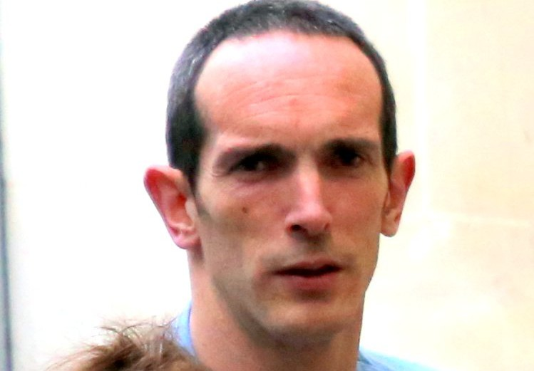 Mark Willis -  sex attacker who was throttled by woman kick boxer who fought back in Cheltenham -  judge praises brave victim and gives her a £500 reward for her bravery - GNS 07778 281661