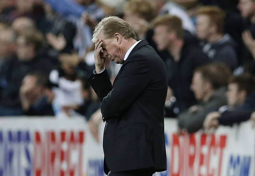 """Football - Newcastle United v Sheffield Wednesday - Capital One Cup Third Round - St James' Park - 23/9/15 Newcastle United manager Steve McClaren looks dejected Action Images via Reuters / Lee Smith Livepic EDITORIAL USE ONLY. No use with unauthorized audio, video, data, fixture lists, club/league logos or """"live"""" services. Online in-match use limited to 45 images, no video emulation. No use in betting, games or single club/league/player publications. Please contact your account representative for further details."""