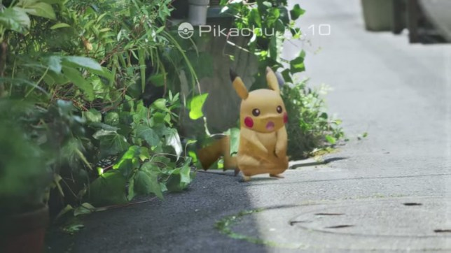 Pokémon Go - Pikachu enters the real world