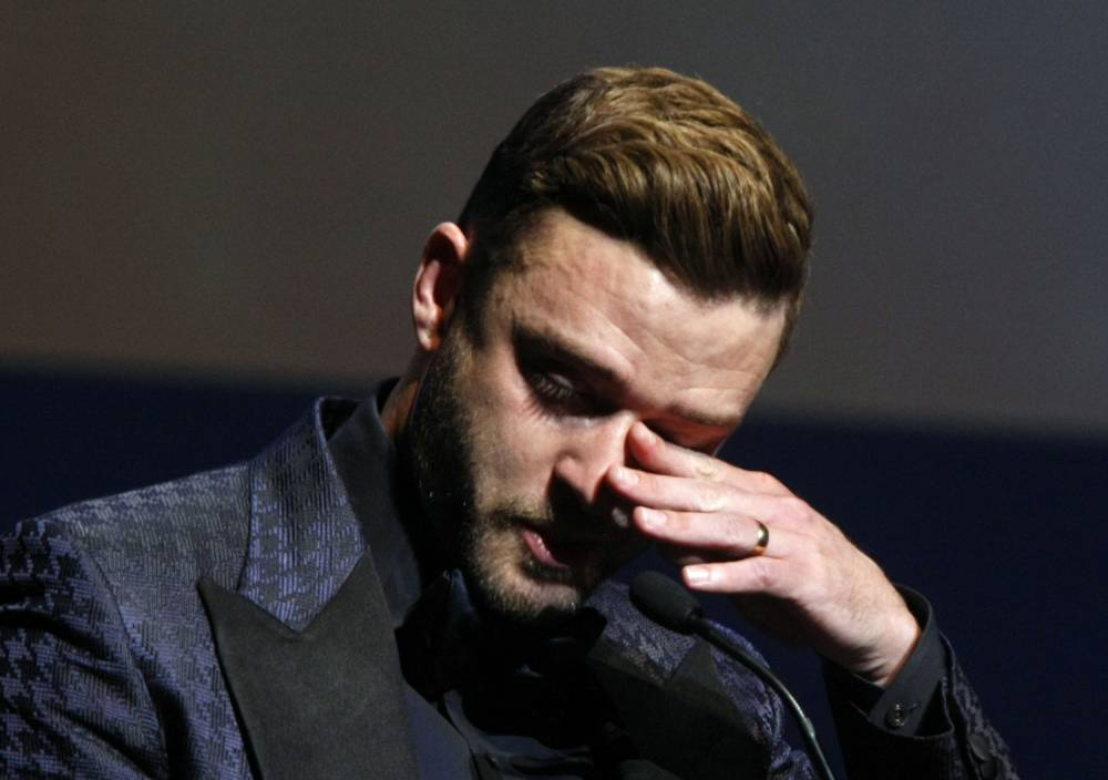 Justin Timberlake becomes emotional as he gave thanks during the Memphis Music Hall of Fame induction ceremony Saturday, Oct. 17, 2015, in Memphis, Tenn. (AP Photo/Karen Pulfer Focht)