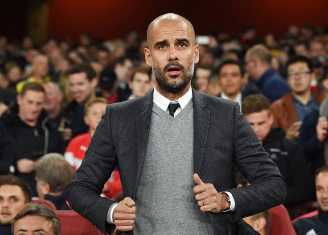 epa04985884 Bayern Munich manager Pep Guardiola during a Champions League group F soccer match at the Emirates Stadium in London, Britain, 20 October, 2015. EPA/ANDY RAIN