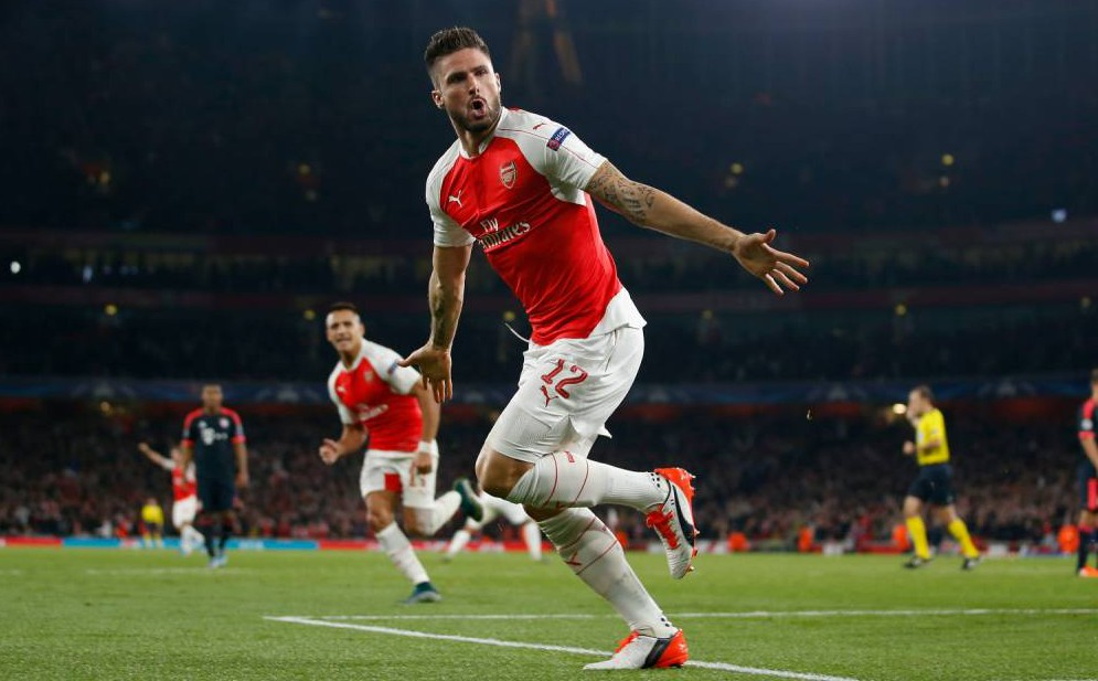 LONDON, ENGLAND - OCTOBER 20: Olivier Giroud of Arsenal celebrates after scoring his team's first goal during the UEFA Champions League Group F match between Arsenal FC and FC Bayern Munchen at the Emirates Stadium on October 20, 2015 in London, United Kingdom. (Photo by Boris Streubel/Getty Images)