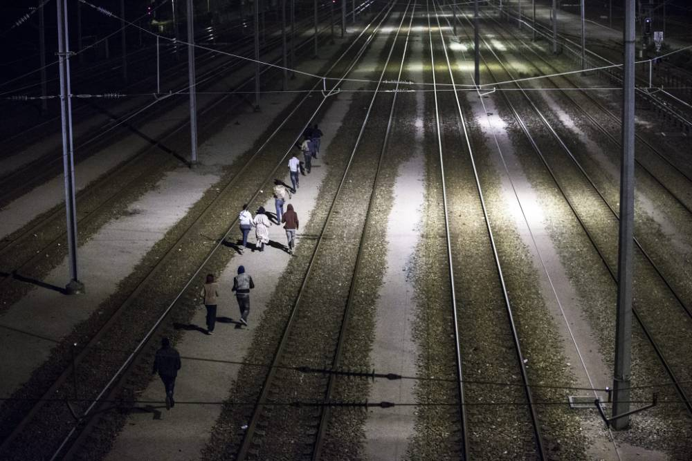 Refugee Crisis: Eurotunnel train drivers left shaken by trespassing migrants
