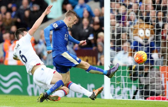 LEICESTER, ENGLAND - OCTOBER 24: Jamie Vardy of Leicester City scores to make it 1-0 during the Barclays Premier League match between Leicester City and Crystal Palace at the King Power Stadium on October 24th , 2015 in Leicester, United Kingdom. (Photo by Plumb Images/Leicester City FC via Getty Images)