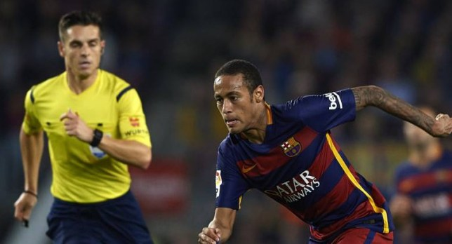 BARCELONA, SPAIN - OCTOBER 25: Neymar JR of Barcelona runs with the ball during the La Liga match between FC Barcelona and SD Eibar at Camp Nou Stadium on October 25, 2015 in Barcelona, Spain. (Photo by Manuel Queimadelos Alonso/Getty Images)