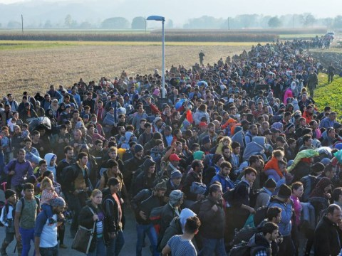 Thousands of migrants walk through Slovenia in incredible new images