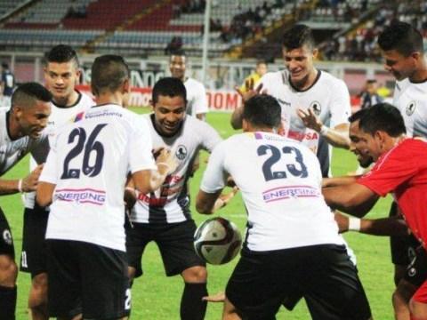 Venezuelan footballer Cesar Martinez makes ball levitate to celebrate goal