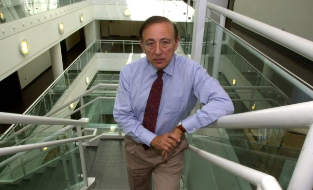 GALLO...Director of the Institute of Human Virology, Dr. Robert Gallo, co-discoverer of the AIDS virus, poses in the Medical Biotechnology Center in Baltimore, May 24, 2001. Gallo's work in the early 1980s led to a screening test that removed AIDS from the blood supply, preventing spread through transfusions. It laid the foundation for the medicines that eventually changed AIDS from a death sentence to a chronic but survivable illness. (AP Photo/Gail Burton)....A...BALTIMORE...MD...USA
