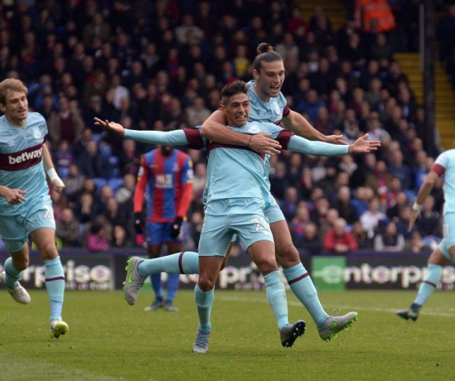 LONDON, ENGLAND - OCTOBER 17: Manuel Lanzini of West Ham United celebrates his goal during the Barclays Premier League match between Crystal Palace and West Ham United at Selhurst Park on October 17, 2015 in London, England. (Photo by James Griffiths/West Ham United via Getty Images)