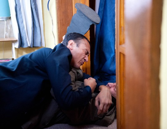 FROM ITV STRICT EMBARGO - No Use Before Tuesday 1st December 2015 Emmerdale - 7366 Wednesday 9th December 2015 Sam Dingle [JAMES HOOTON] pales when he realises Jai Sharma [CHRIS BISSON] knows Megan is pregnant. Jai roughly pushes Sam inside and slams the door behind them. Sam cowers as Jai looms over him. He figures out the baby is his and Sam lets slip Megan is planning on leaving. Sam tries to make a run for it, but ends up in a scuffle. He is pinned down, but knocks Jai out by hitting him over the head with a doorstop. Sam stands over Jai's motionless body, and begins to panic when he can't wake him up... Picture contact: david.crook@itv.com on 0161 952 6214 Photographer - Amy Brammall This photograph is (C) ITV Plc and can only be reproduced for editorial purposes directly in connection with the programme or event mentioned above, or ITV plc. Once made available by ITV plc Picture Desk, this photograph can be reproduced once only up until the transmission [TX] date and no reproduction fee will be charged. Any subsequent usage may incur a fee. This photograph must not be manipulated [excluding basic cropping] in a manner which alters the visual appearance of the person photographed deemed detrimental or inappropriate by ITV plc Picture Desk. This photograph must not be syndicated to any other company, publication or website, or permanently archived, without the express written permission of ITV Plc Picture Desk. Full Terms and conditions are available on the website www.itvpictures.com