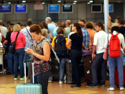 Russian plane crash: Rescue flights for tourists 'restricted' by Egyptian authorities