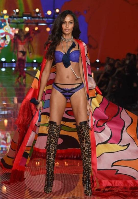 921adb3e66 Kendall Jenner and Gigi Hadid make Victoria s Secret debuts ...