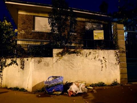 'Suicide belt' dumped on Paris street