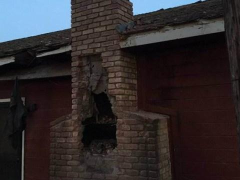 Homeowner lights fire, hears screams, kills burglar stuck in chimney