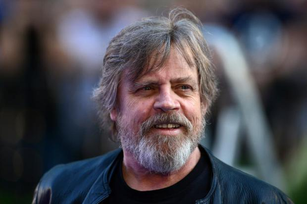 Mark Hamill teases everyone with a Star Wars Episode 8 'trailer'