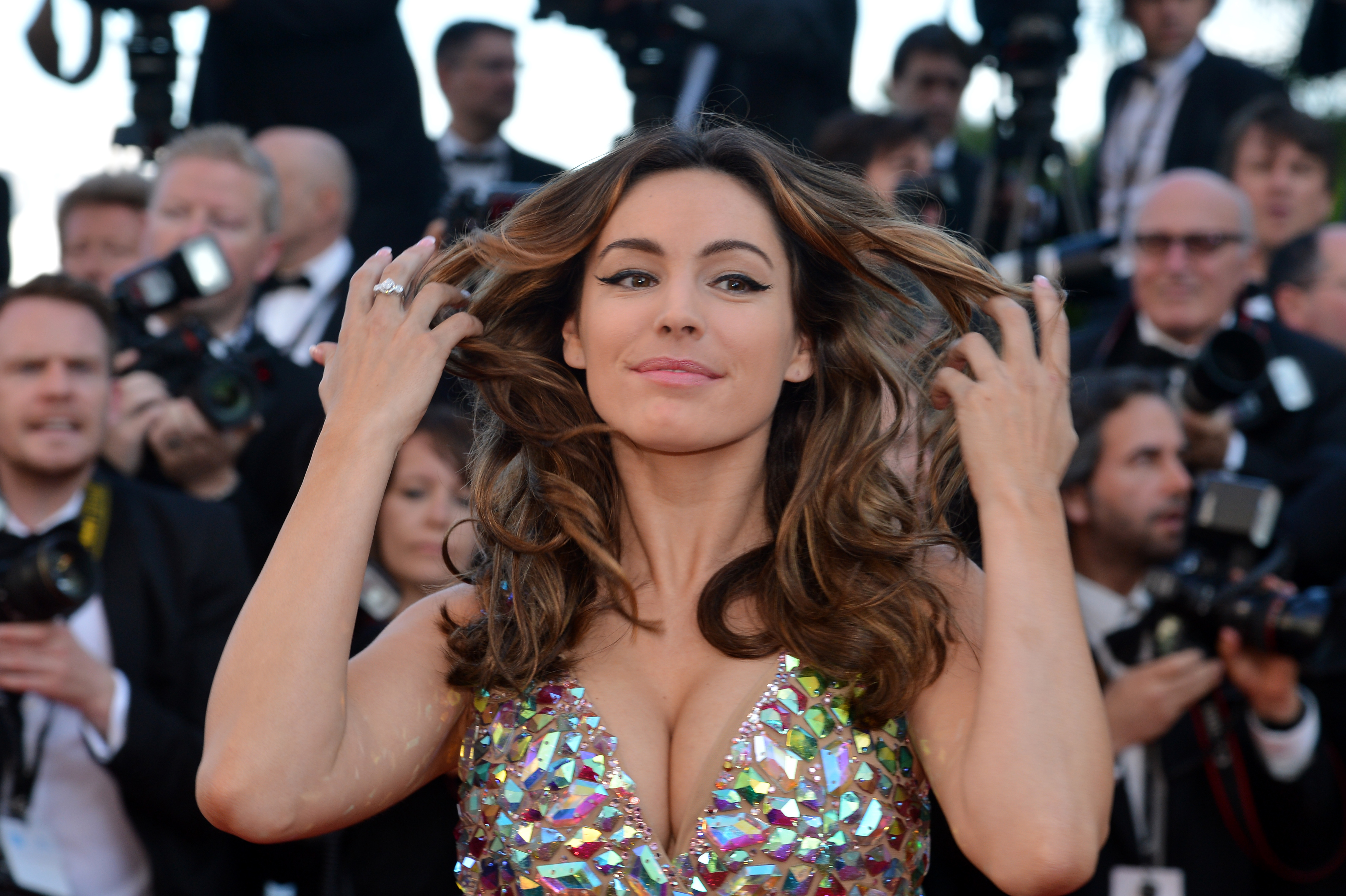 Kelly Brook's disastrous TV career continues with fresh bad luck