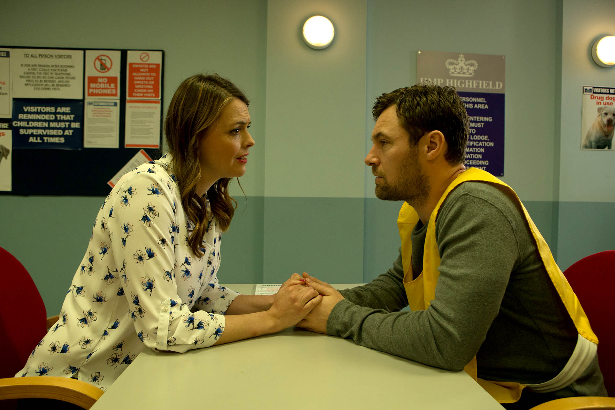 FROM ITV STRICT EMBARGO - Tuesday 15 December 2015 Coronation Street - Ep 8798 Monday 21 December 2015 In the prison visiting room, Tracy Barlow [KATE FORD] reels as Rob Donovan [MARC BAYLIS] lies to her, claiming there's a strong chance he might be released and he hopes they can start again. Photographer - Amy Brammall This photograph is (C) ITV Plc and can only be reproduced for editorial purposes directly in connection with the programme or event mentioned above, or ITV plc. Once made available by ITV plc Picture Desk, this photograph can be reproduced once only up until the transmission [TX] date and no reproduction fee will be charged. Any subsequent usage may incur a fee. This photograph must not be manipulated [excluding basic cropping] in a manner which alters the visual appearance of the person photographed deemed detrimental or inappropriate by ITV plc Picture Desk. This photograph must not be syndicated to any other company, publication or website, or permanently archived, without the express written permission of ITV Plc Picture Desk. Full Terms and conditions are available on the website www.itvpictures.com