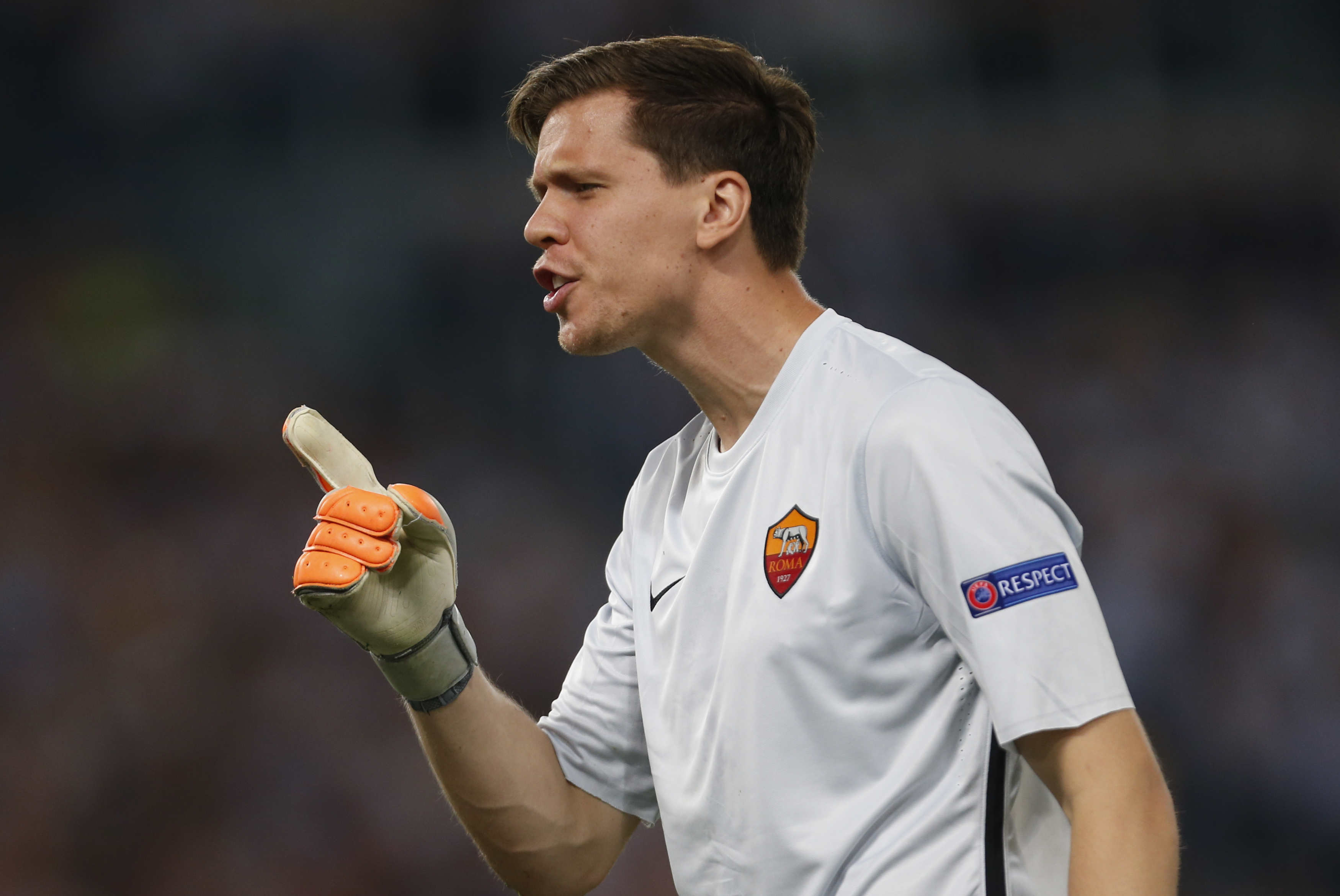 ROME, ITALY - 2015/09/16: AS Roma's Wojciech Szczesny reacts during the Champions League Group E soccer match against Barcellona at the Olympic Stadium. (Photo by Ciro De Luca/Pacific Press/LightRocket via Getty Images)
