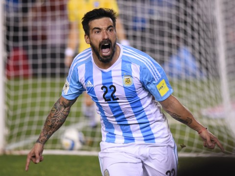 Arsenal make formal approach to seal transfer of Paris Saint-Germain star Ezequiel Lavezzi – report