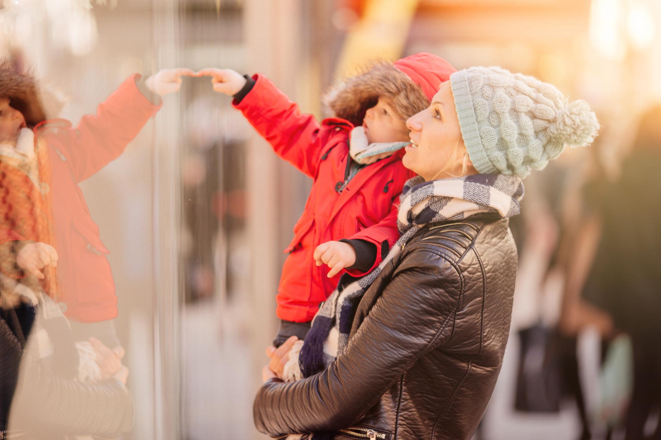 11 good reasons not to take a toddler Christmas shopping