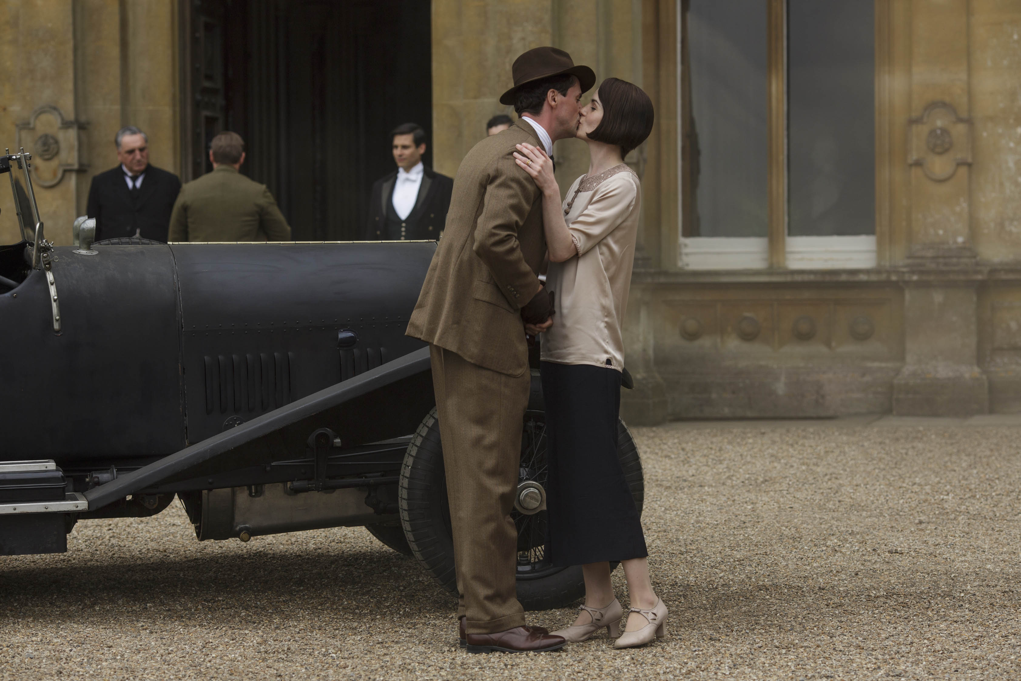 EMBARGOED UNTIL 8th December 2015 Downton Abbey | Christmas Final Episode 2015 We return to the sumptuous setting of Downton Abbey for the finale of this internationally acclaimed hit drama series. As our time with the Crawleys draws to a close, we see what becomes of them all. The family and the servants, who work for them, remain inseparably interlinked as they face new challenges and begin forging different paths in a rapidly changing world. Photographer: Nick Briggs MATTHEW GOODE as Henry Talbot and MICHELLE DOCKERY as Lady Mary Crawley