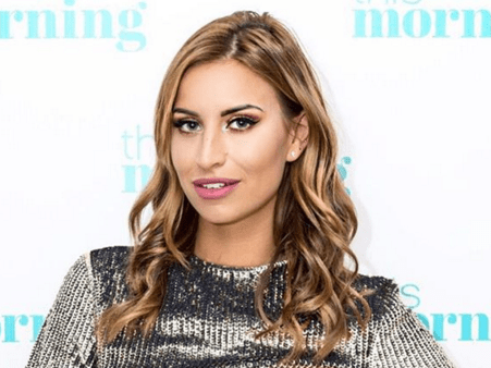 Ferne McCann doesn't fancy George Shelley, she's smitten with this former Skins star