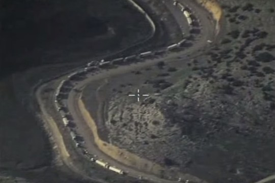 Russian MoD release footage of ISIS oil tankers at Turkish border