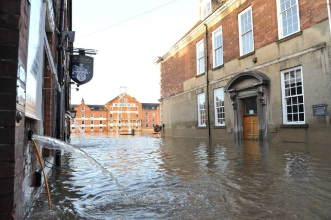 Picture Shows: General View, GV December 29, 2015 General view of York City Centre which remains flooded as Storm Frank gets ready to hit the UK. Thousands of York homes and businesses have been left without phone and internet services, after flood damage. Non Exclusive WORLDWIDE RIGHTS Pictures by : FameFlynet UK © 2015 Tel : +44 (0)20 3551 5049 Email : info@fameflynet.uk.com