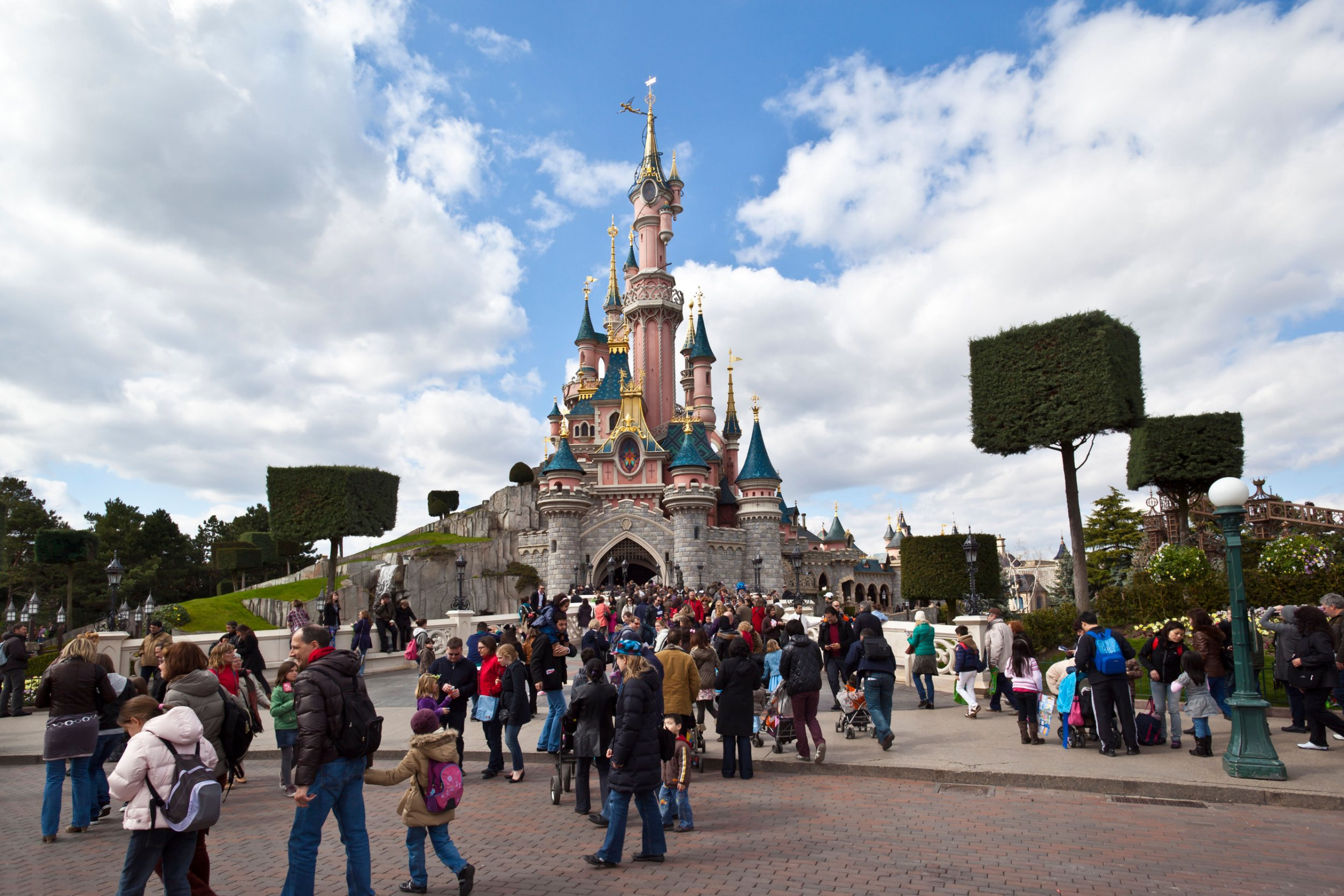 C22TFN Cinderella's castle at Disneyland Paris, France