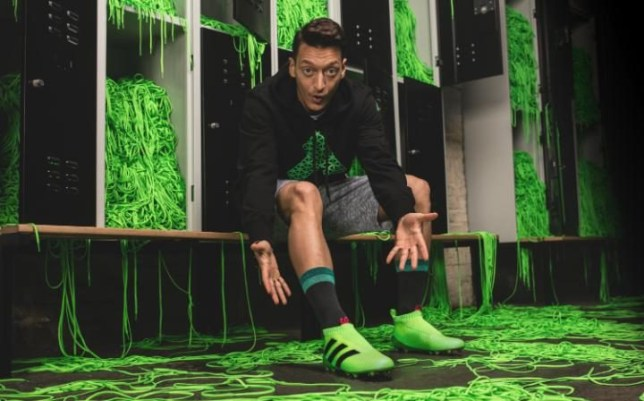 more photos 65c2f 9fbdd Arsenal's Ozil to wear Adidas laceless boots during Chelsea ...