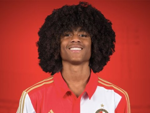 Feyenoord striker Tahith Chong accepts Manchester United transfer