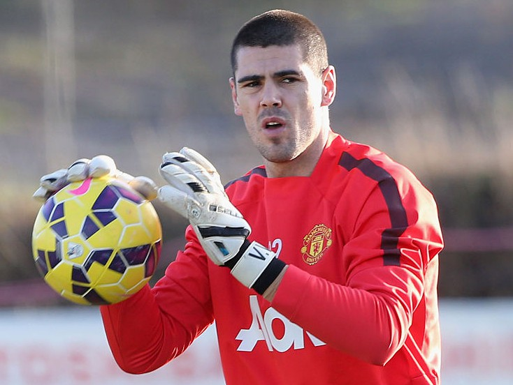 MANCHESTER, ENGLAND - JANUARY 09: (EXCLUSIVE COVERAGE) Victor Valdes of Manchester United in action during a first team training session at Aon Training Complex on January 9, 2015 in Manchester, England. (Photo by John Peters/Man Utd via Getty Images)