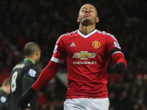 Manchester United fans want Memphis sent back to PSV after Chelsea error