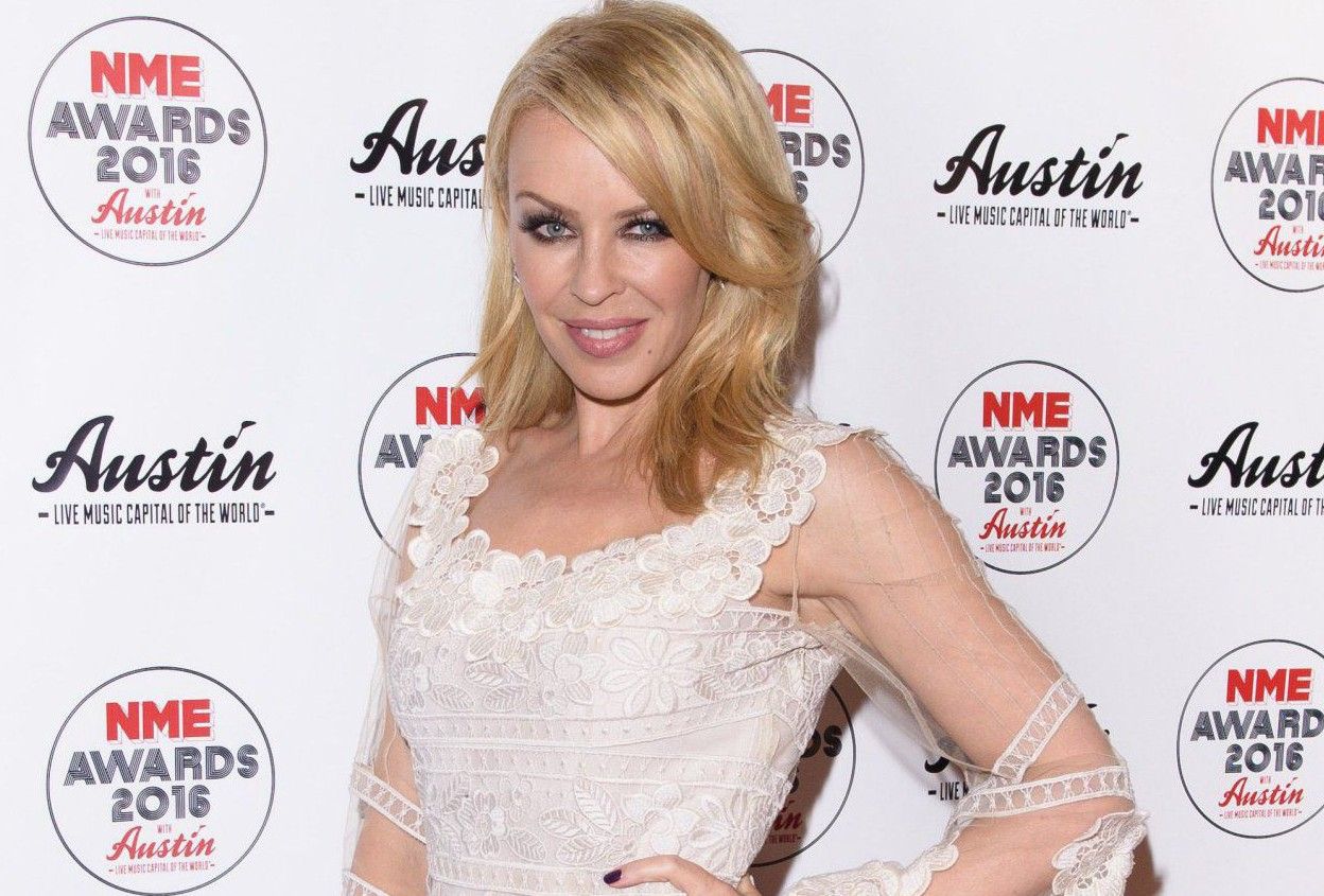 Is Kylie Minogue engaged? Singer flashes diamond ring on wedding finger at NME Awards 2016